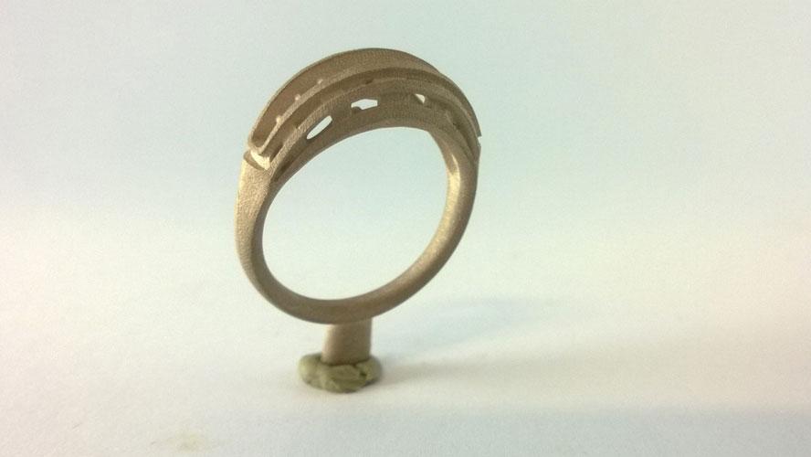 Prototipo anello smeraldo e diamanti